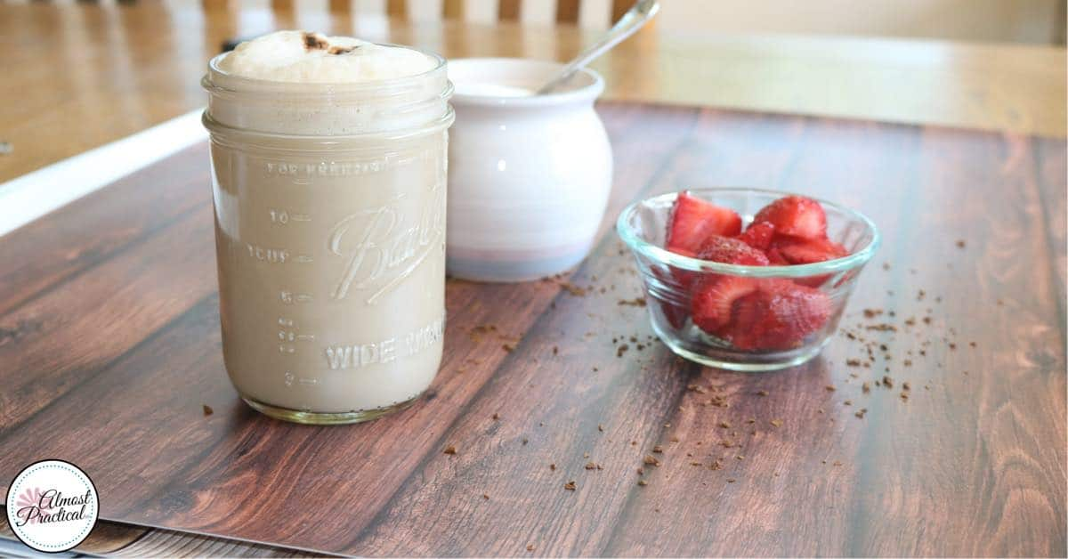 Homemade cafe latte recipe - behind the scenes.