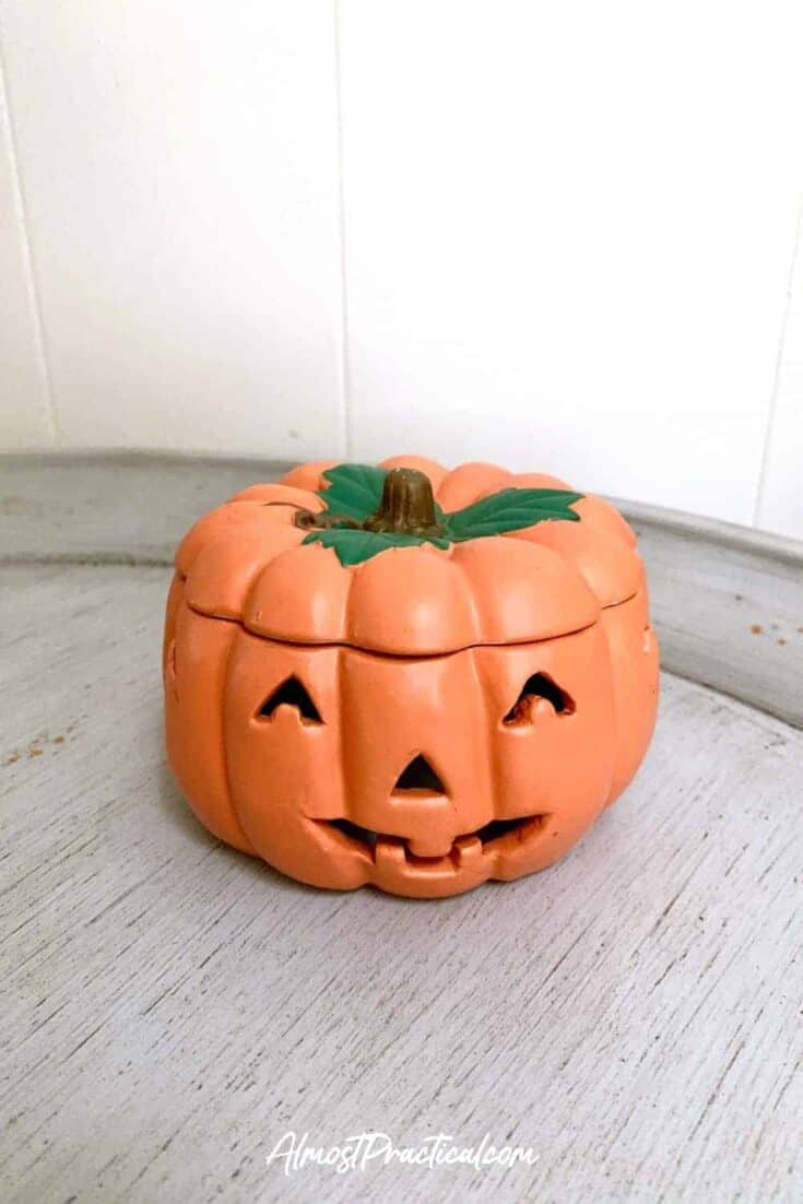 halloween decor - ceramic pumpkin jack-o-lantern with lid
