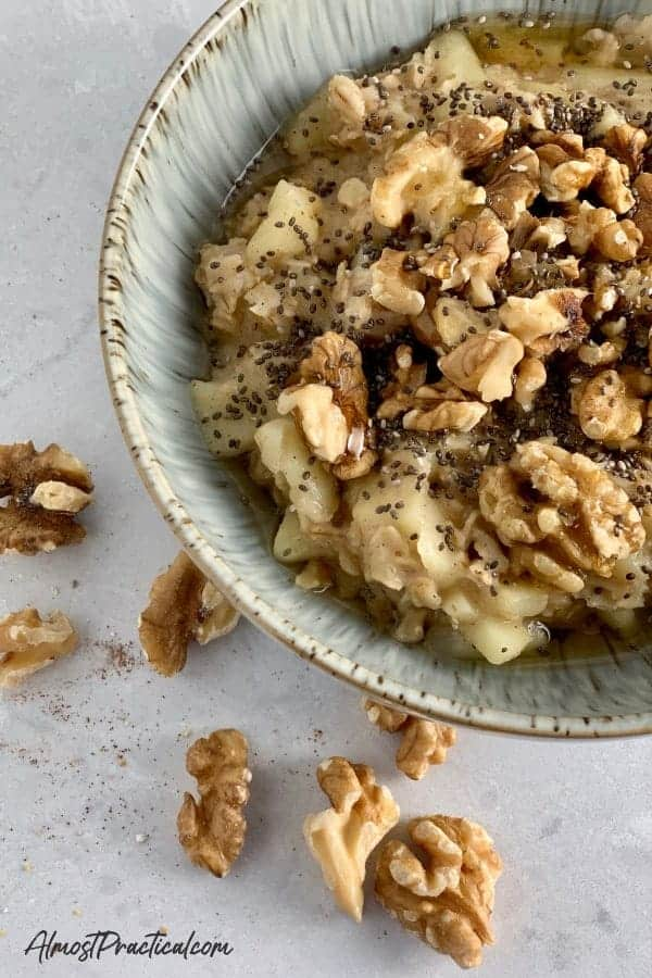 Homemade Apple Cinnamon Oatmeal Recipe
