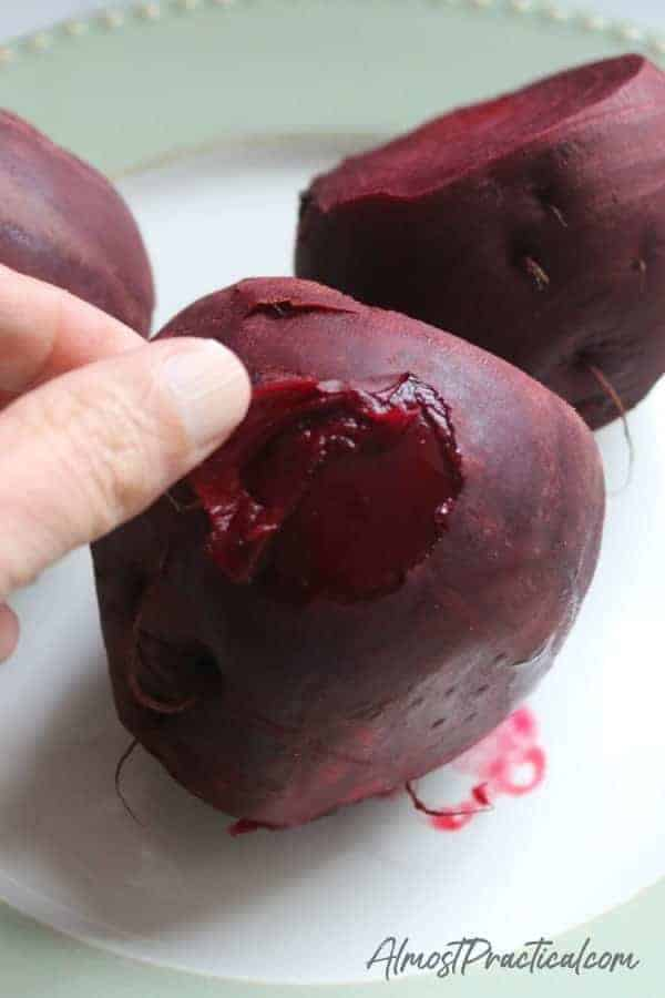 how to peel cooked beets